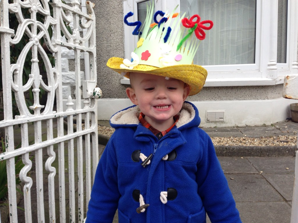The rubbish mother's guide to making an Easter bonnet in 30 minutes