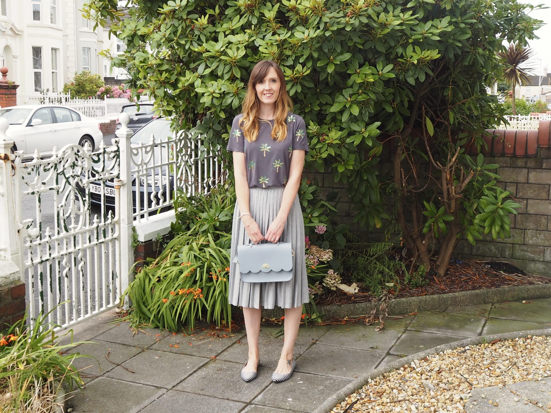 OOTD: A pleated skirt and sequins for a child-free day